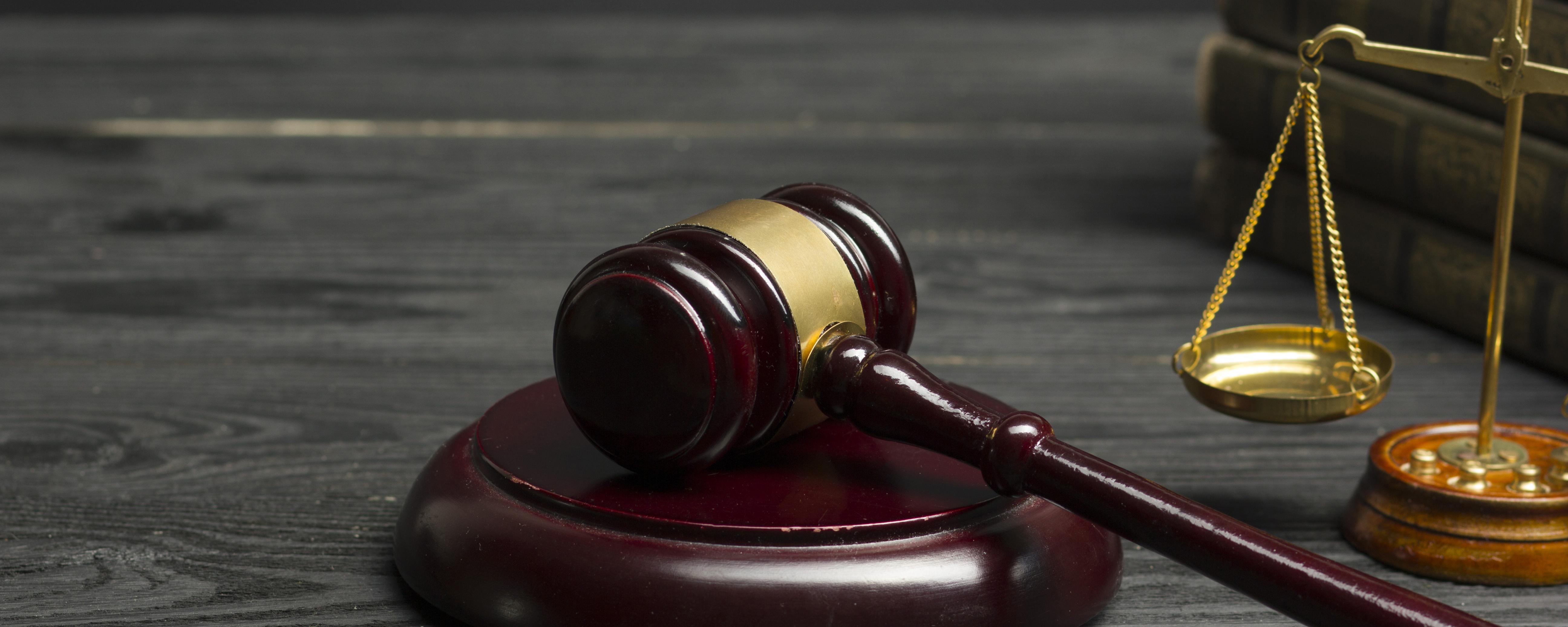 Company law gavel